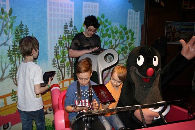 Tip na výlet: Autistické děti vyzkoušely jako první novou interaktivní aplikaci v Muzeu Grévin Praha