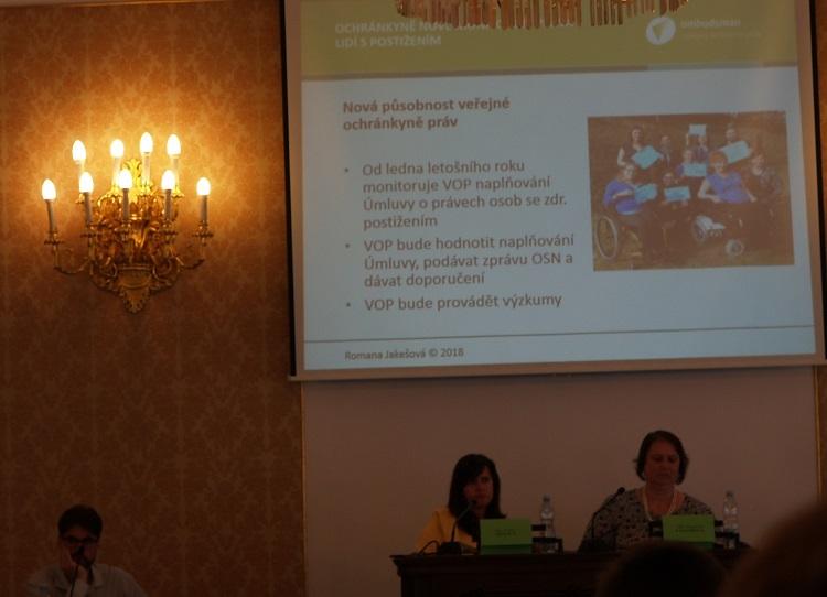Dostupnost sociálních služeb pro osoby sPAS je v ČR špatná a rodiny s dítětem s PAS a lidi s PAS jsou diskriminováni