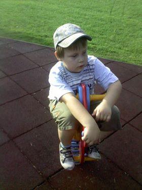 Dítě úplňku Erik: Čekáme, až ta bílá kulatá potvora zase zmizí 6