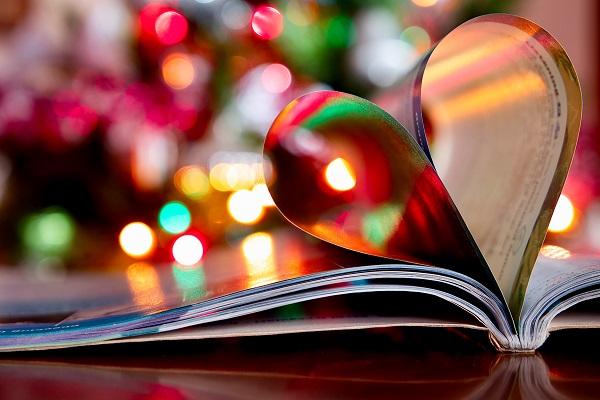 Pod stromeček hromadu knih, které mají duši 10