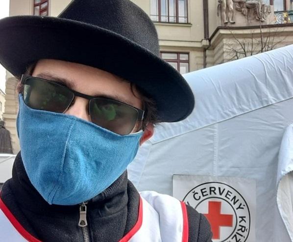 Mezi dobrovolníky ČČK je i mnoho lidí s autismem. Pomáhá už přes 4000 dobrovolníků.