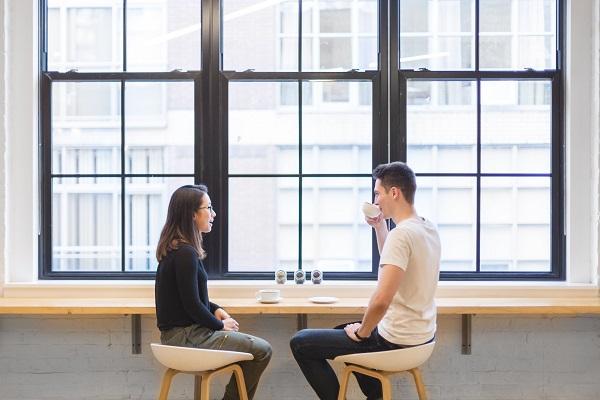 Ako začať a udržať konverzáciu?