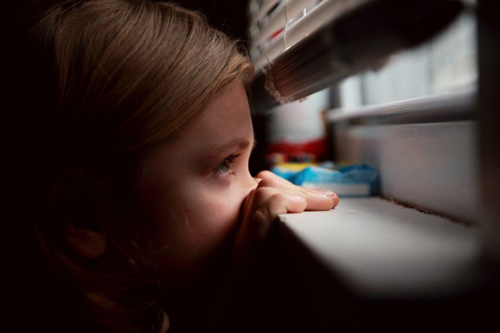 Dopady pandemie COVID-19 vrodinách dětí s autismem jsou velmi negativní a psychiatrů je málo 1