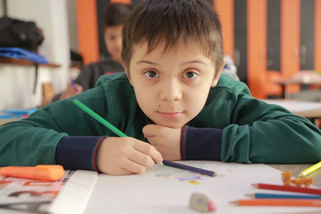Podle nejnovější studie má třetina autistických dětí také ADHD 1